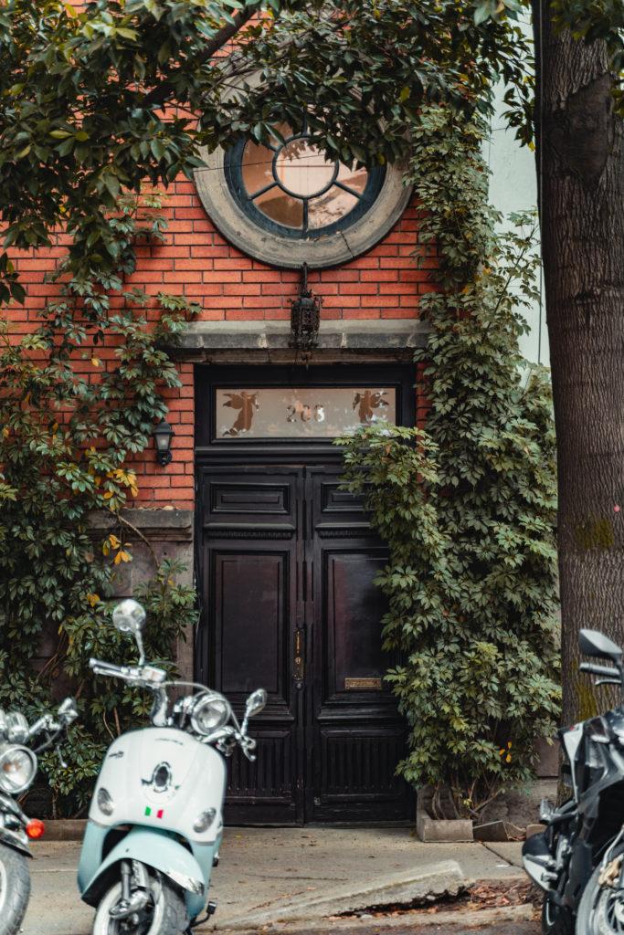 Doorway and Scooter in Roma Norte, CMDX