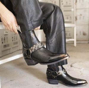 Casa Caballeria botas negras