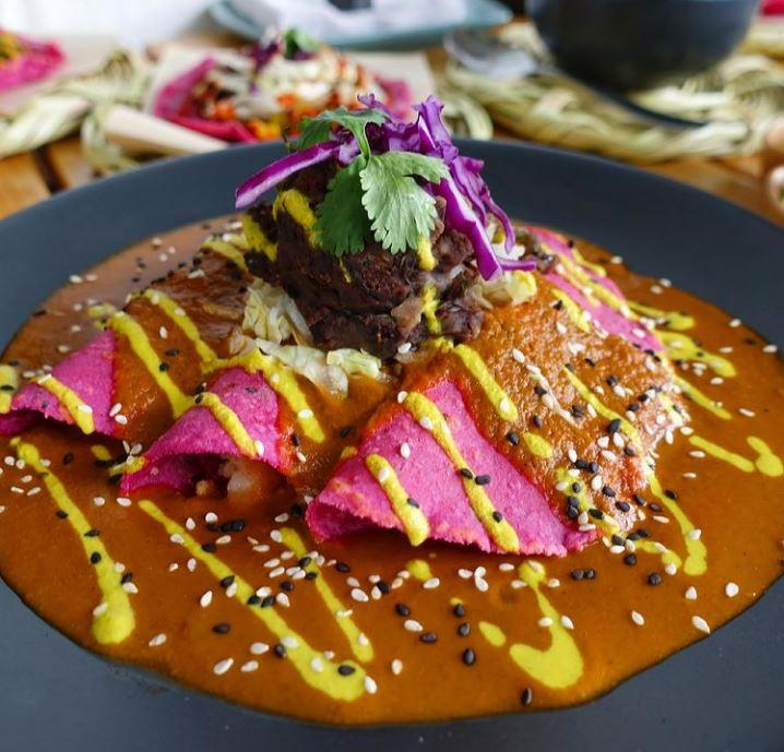 La Pitahaya Vegana enfrijoladas