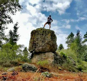 Parque Ejidal San Nicolás Totolapan sobre una piedra
